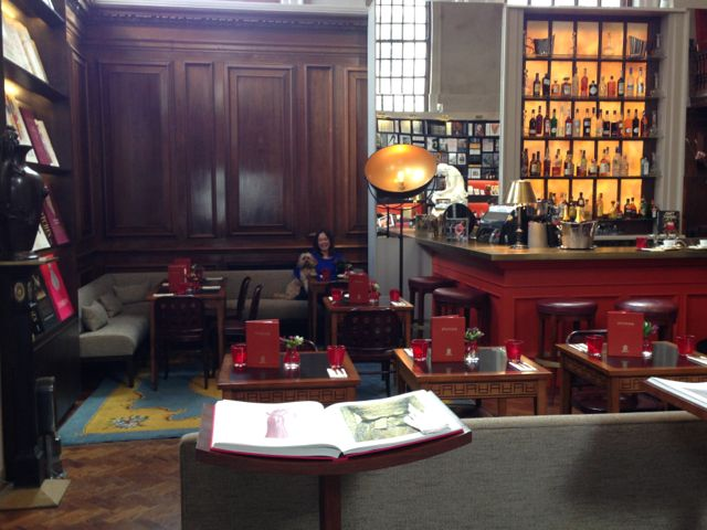 bonjour today we 39 re lunching at maison assouline. Black Bedroom Furniture Sets. Home Design Ideas